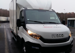 UTILITAIRE CHASSIS CABINE - IVECO 35C15 - HAYON - 17 000 €